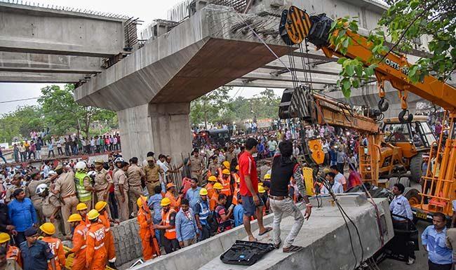 varanasi-flyover-death-toll